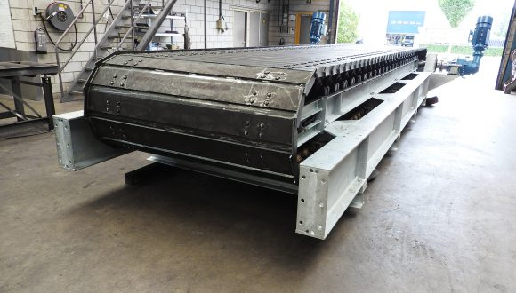 apron feeder slat conveyor